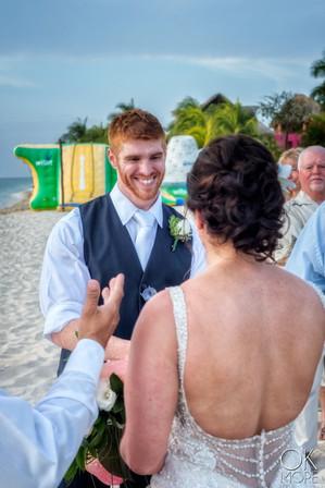 Wedding photography: ceremony, altar on the beach, caribbean ocean