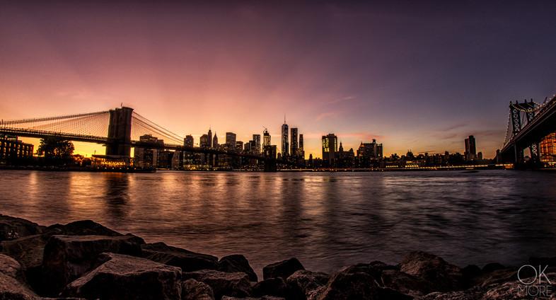 Travel photography destination New York: city landscape skyline sunset brooklyn manhattan bridges