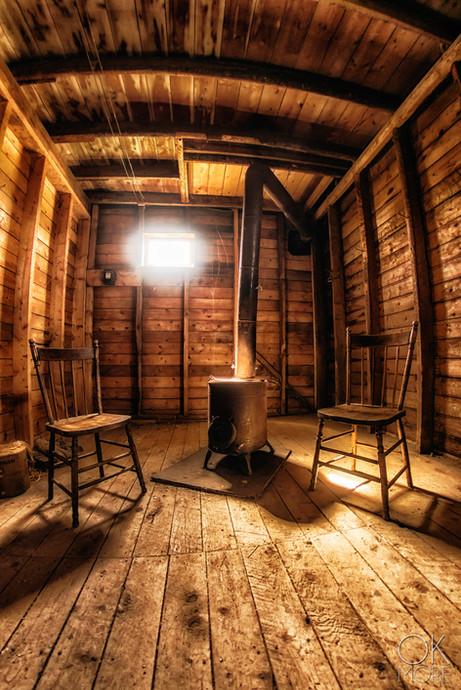 Travel photography, destination Canada, cabin wood