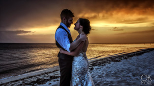 Wedding photography in Cozumel, Mexico: couple portrait at sunset on the beach