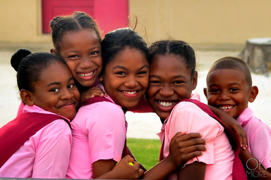 Portrait of 5 smiling children