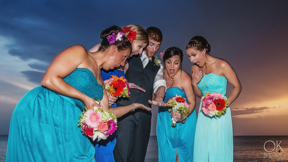 Wedding photography: group portraits at sunset on the beach