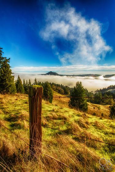 Landscape photography: northern California hills over fog
