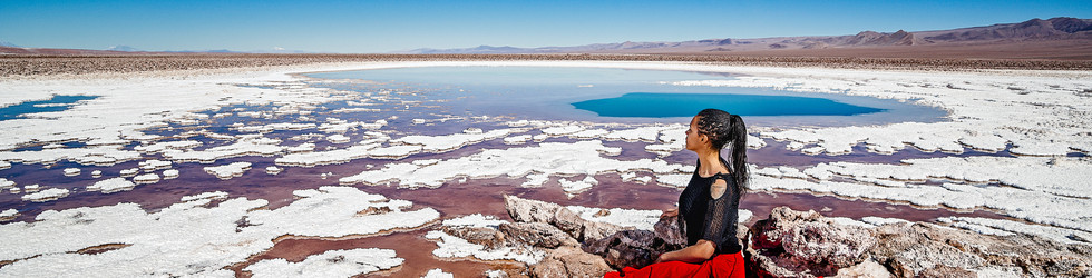 retrato portrait mujer sentada sitting bailando desierto de atacama desert woman dancing skirt dress blue skies lagunas escondidas baltinache lagoon blue salt flats salar white