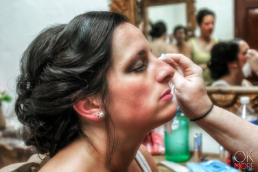 Wedding photography: event details, bride getting ready, make up