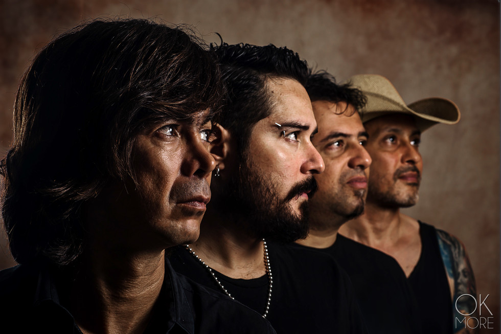 Commercial photography: musician studio portait session, the Red Eyed Band