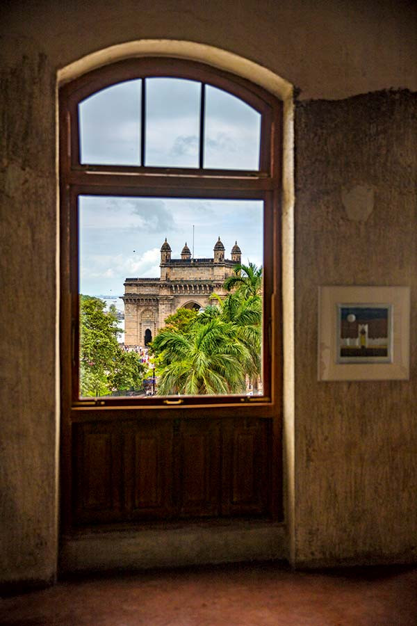 Jhaveri Contemporary, previously in Mumbai's Malabar Hill neighbourhood, now occupies a 130-year-old building in Colaba, overlooking the Gateway of India. The mixed-media artwork is by Anwar Jalal Shemza. Image Credit: Architectural Digest