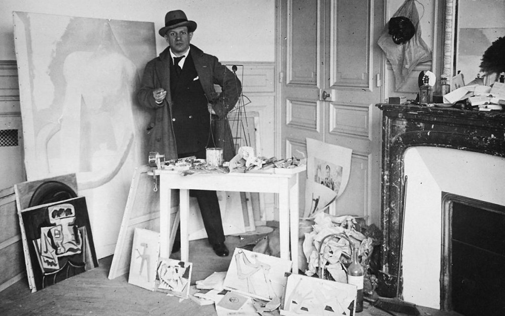Pablo Picasso in his studio in Paris, 1929 Courtesy: Travel by art