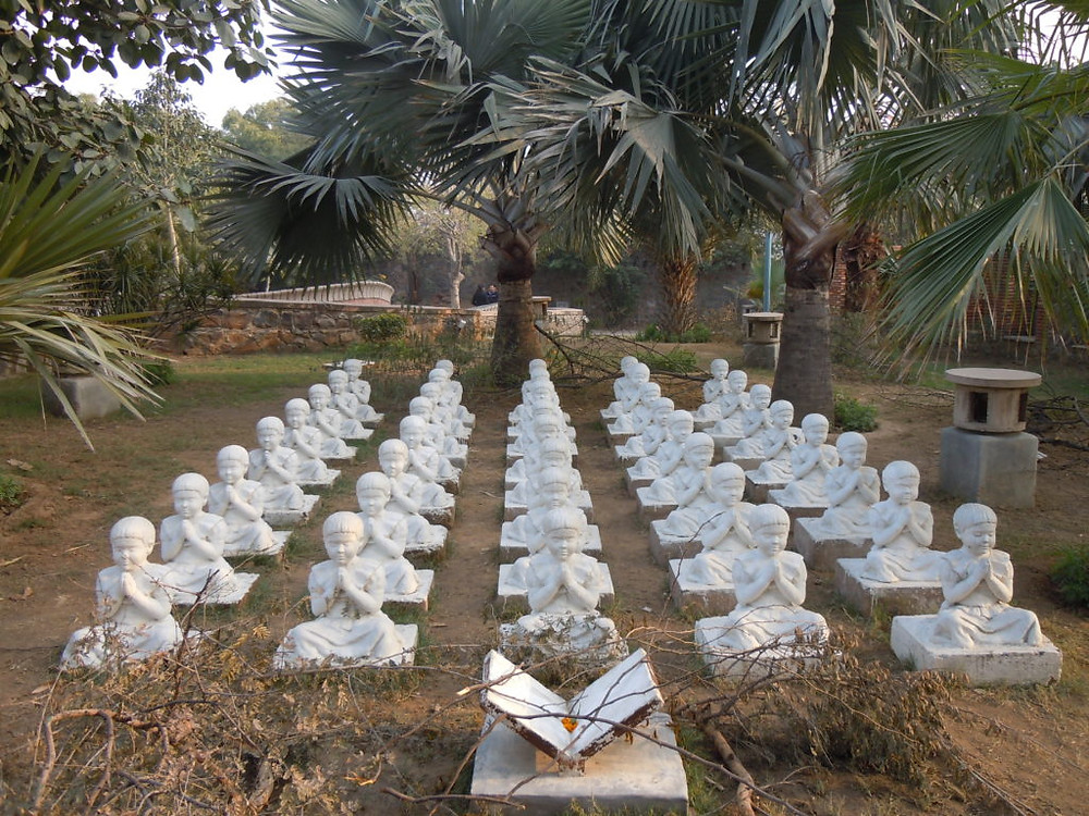 Public installation by Kamal Narayan at the Graden of Five Senses, Image credits: Delhi Tourism