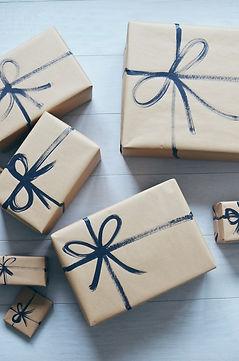 kraft-paper-gift-wrap-painted-ribbon.jpg