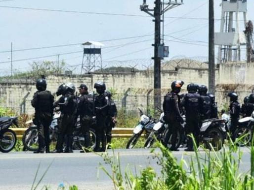 Motín en cárcel de Ecuador deja 29 muertos y 42 heridos; algunos reos fueron decapitados