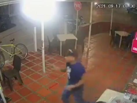 En Vídeo || Atracan a local de comidas rapidas en Barranquilla