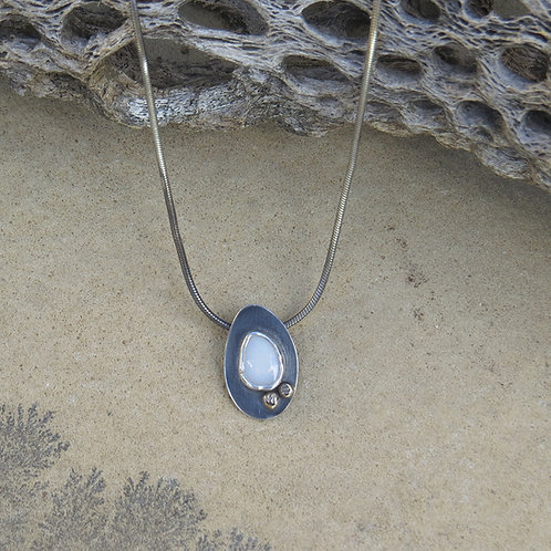 Teardrop Opal & Gold Necklace