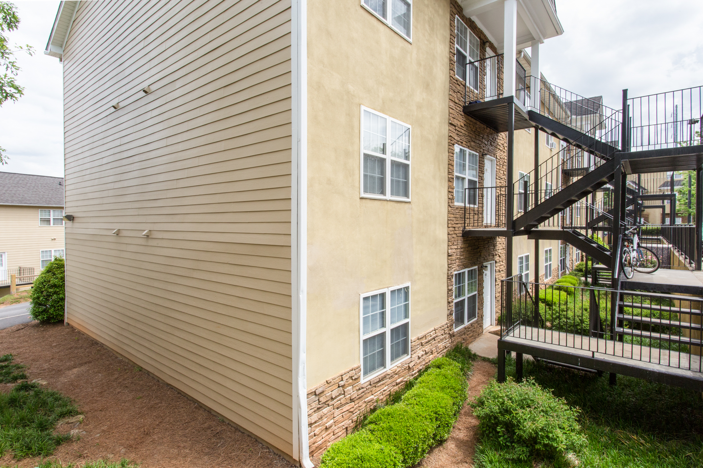 Whistlebury-Walk-Rent-Athens-12
