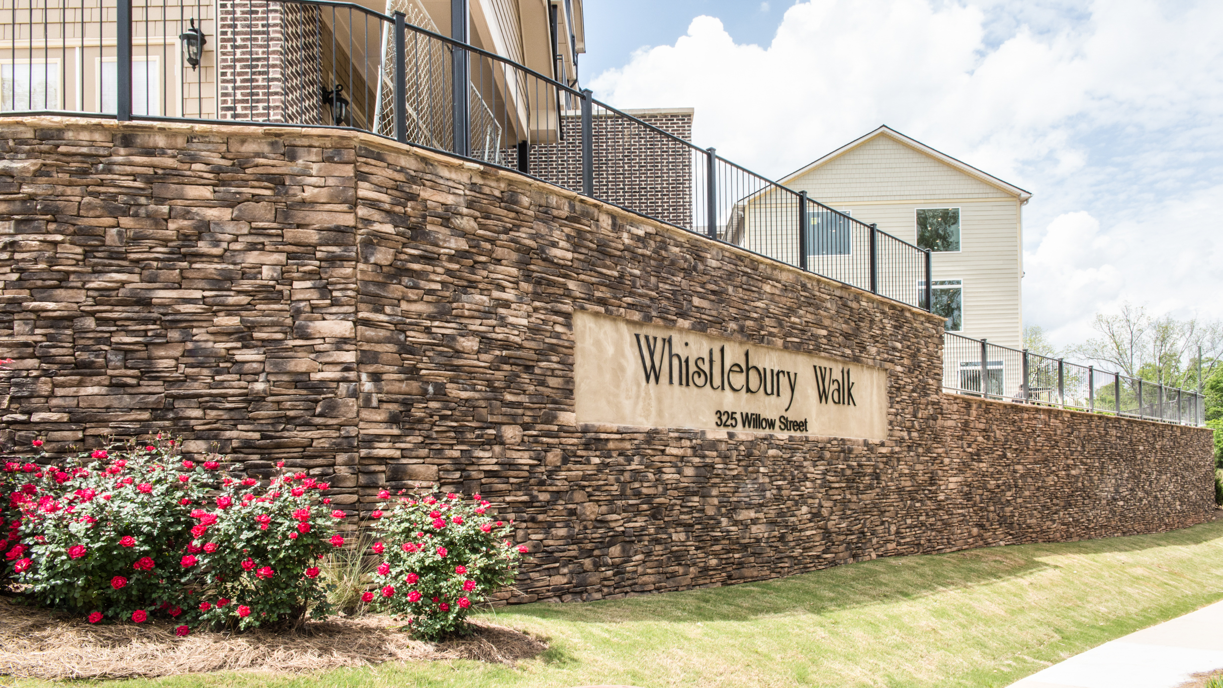 Whistlebury-Walk-Rent-Athens