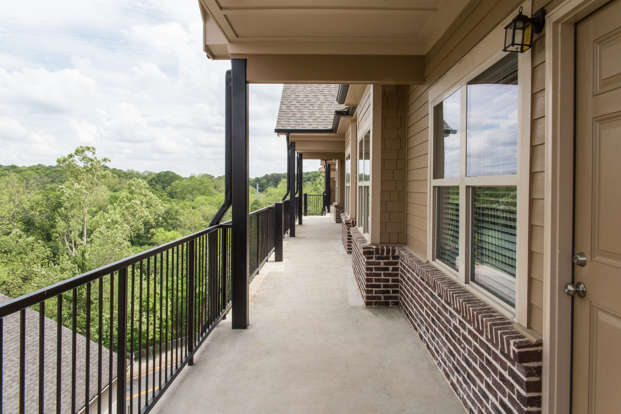Whistlebury-Walk-Rent-Athens-5