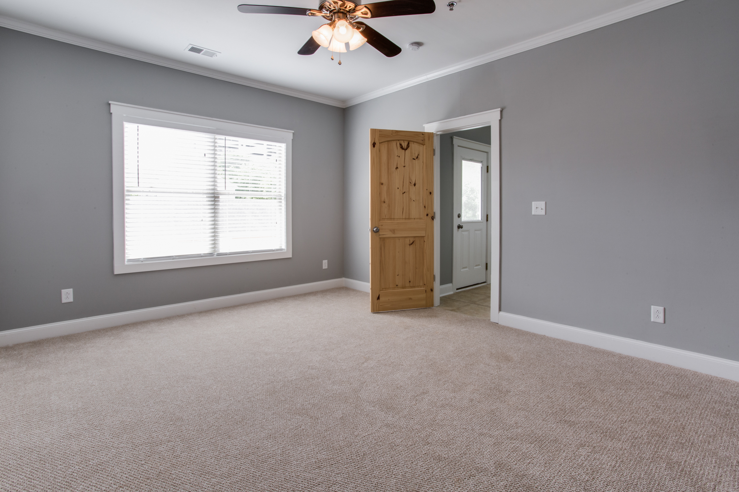 Whistlebury-Walk-Rent-Athens-64