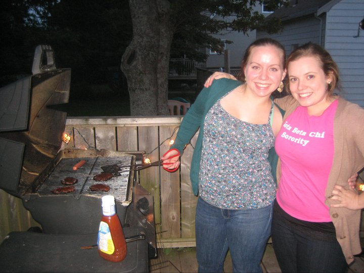 Sisters cooking it up at event