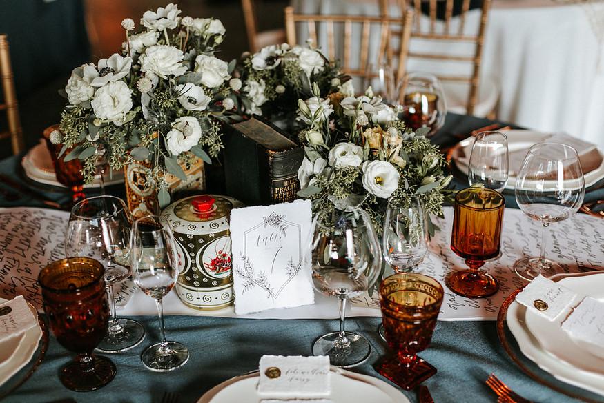 Tipping Etiquette For Wedding Vendors