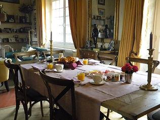 Petit_déjeuner_intérieur.jpg