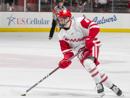 Who are the front-runners for the Hobey Baker Award?