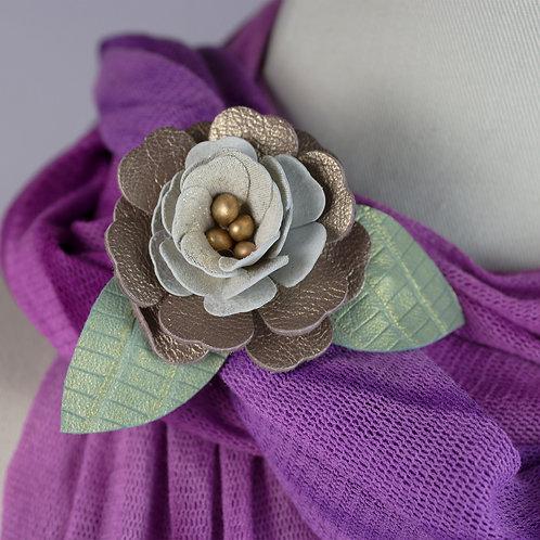 Metallic Cottage Rose