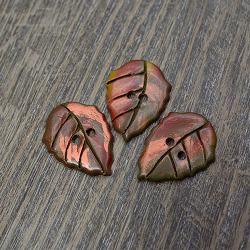 Scalloped Autumn Polymer Leaf Buttons