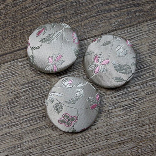 Cream Floral Brocade Covered Buttons L45