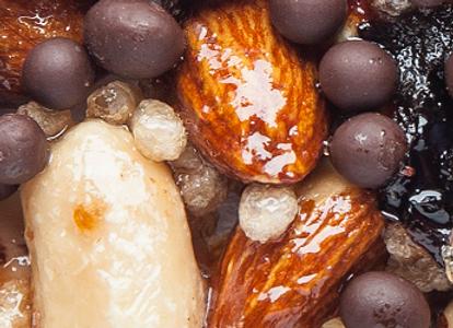 Knowbar - Peanuts, Almonds, Chocolate & Sultanas