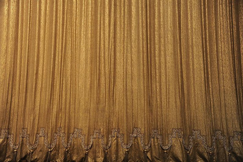 curtain-2106522-2.jpg
