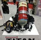 Honeywell First Responder Titan SCBA Fire Firefigher Breathing Apparatus SURVIVAIR Sperian Mask Pack