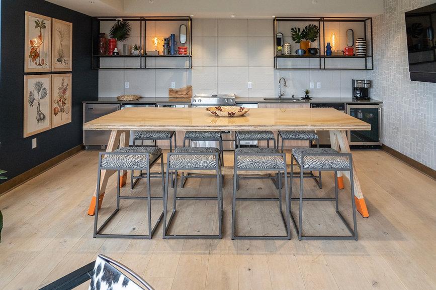 REX26 Skydeck room kitchen