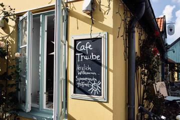 Cafe_Traube_Fehmarn_Willkommensschild