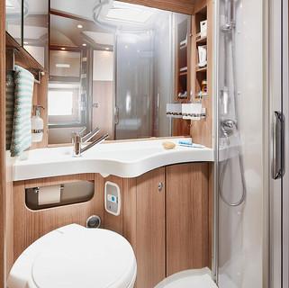 csm_wohnmobil-interieur-kombibad_460le_f