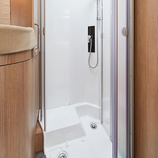 csm_wohnmobil-interieur-kompaktraumbad-d