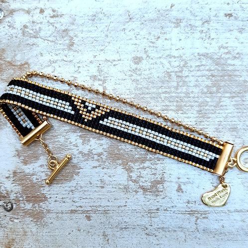 צמיד ניצחון, צמיד וונדרוומן, צמיד וי, תכשיטים מחרוזים, תכשיט מיוחד, תכשיטים ייחודיים,
