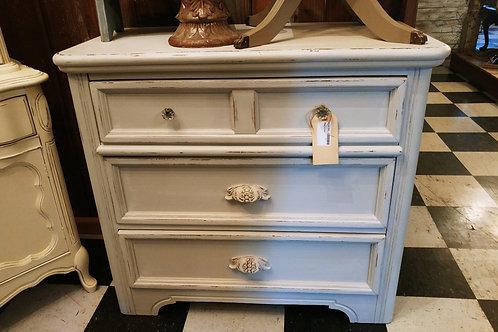 Vintage Dixie Dresser: Soft Grey