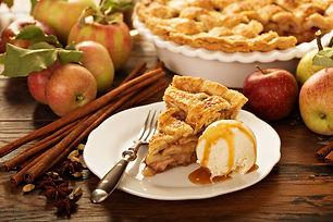 Delicious Classic Apple Pie with Vanilla Ice Cream Recipe