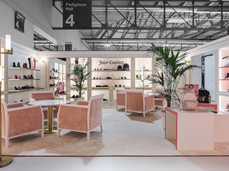 JUICY COUTURE STAND