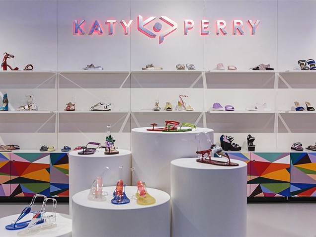 KATY PERRY STAND