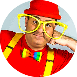 "Kids Performer David Kaye aka ""Silly Billy"" with jumbo yellow glasses"