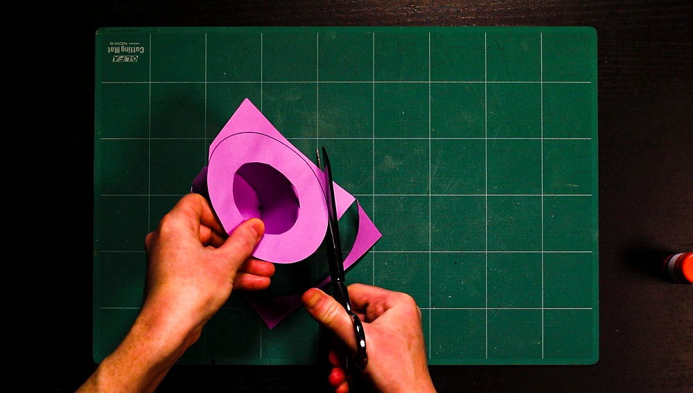 trimming the paper top hat template