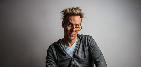 ryanjoyce-casual-portrait-glasses-.jpg