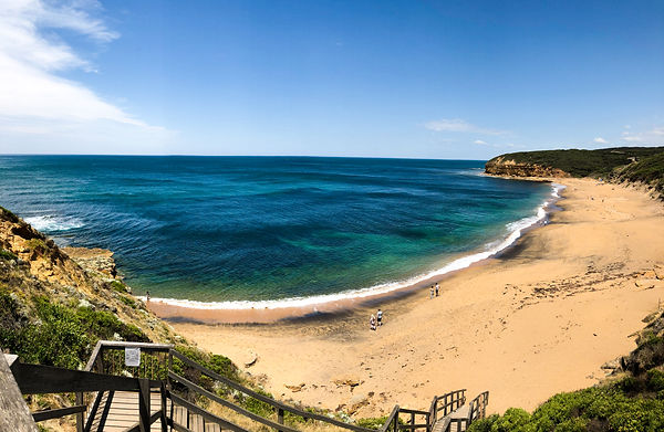 Clockwise Roundabouts, Long Blacks, and other Cultural Observations from Australia's Great Ocean Road