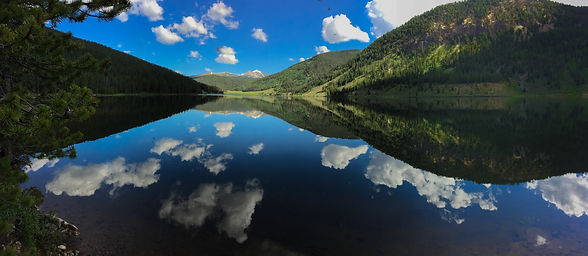 Photo of Spring Creek Reservoir in Arapaho National Forest Colorado. Taken by applied sociolgist stephanie wilson
