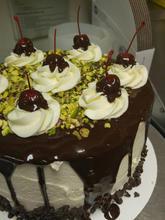 cannoli cake.jpg