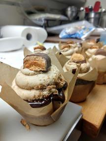 butterfinger cupcake.jpg