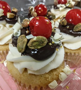 cannoli cupcake.jpg