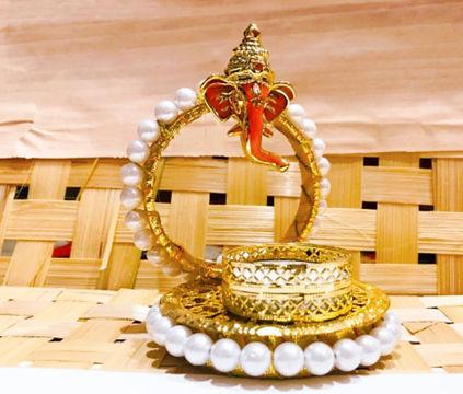 Graceful Ganesha T light holder