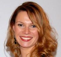 Lara native french teacher